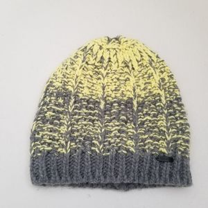 Bundle 4/$25 ❤ Igloo Beanie Cable Knit Hat